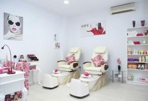 Área de pedicuras en el centro de estética Nails Luxury